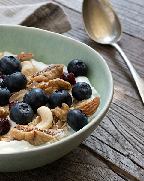 muesli bowl with blueberries and nuts men's health heart healthy meals