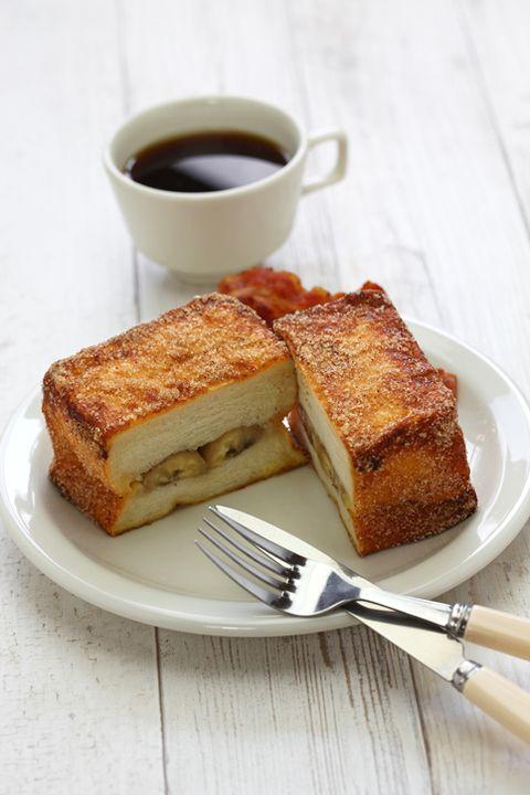 banana cinnamon french toast with bacon