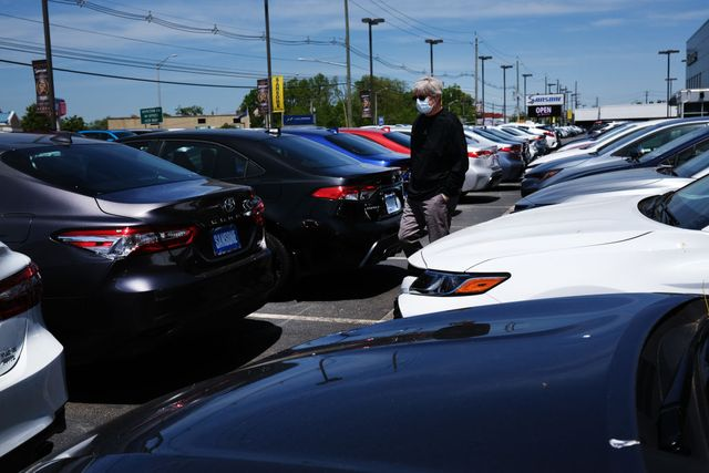 august auto sales show continuing recovery