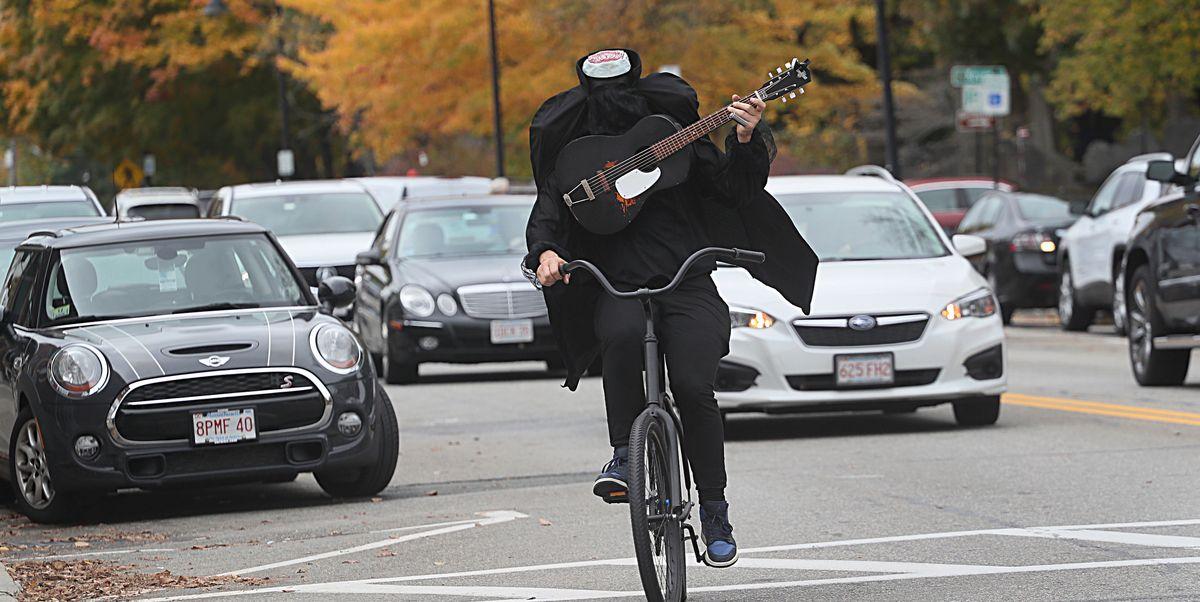 This Guitar-Playing, Headless Horseman Haunts His Massachusetts Town By Bike