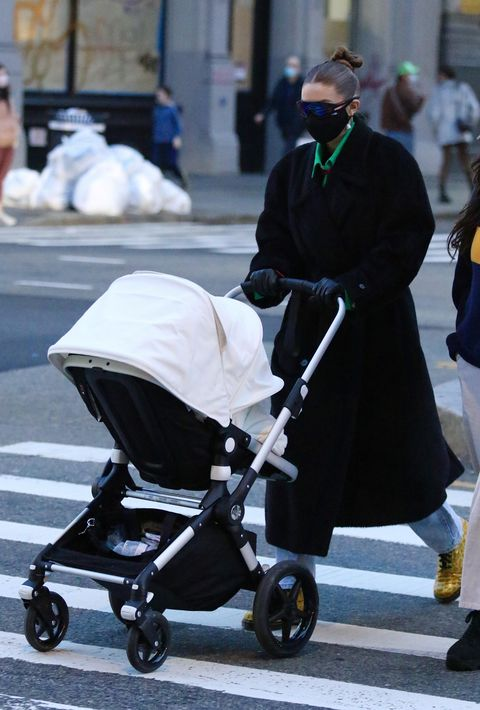 new york city, ny   january 14 gigi gigi hadid met dochter in new york