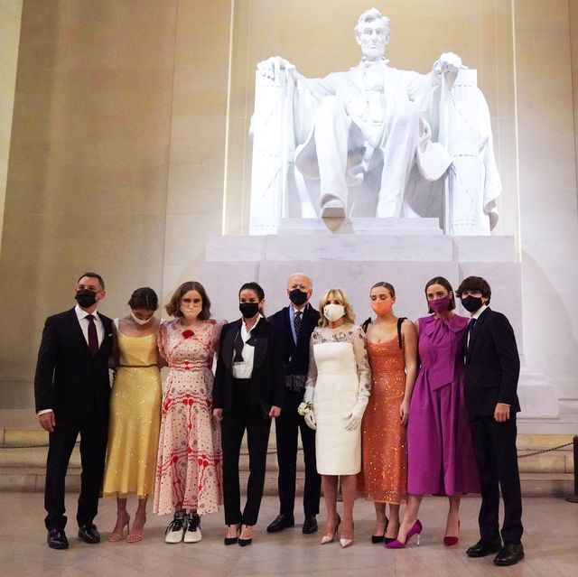 us president joe biden and us first lady jill biden pose with their family in front of the statue of abraham lincoln at the celebrating america event at the lincoln memorial after his inauguration as the 46th president of the united states in washington, dc, january 20, 2021 photo by joshua roberts  pool  afp photo by joshua robertspoolafp via getty images
