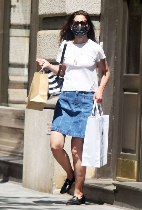 new york, ny may 21 katie holmes is seen on may 21, 2021 in new york city photo by mediapunchbauer griffingc images