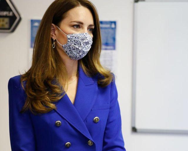kate middleton traje azul chaqueta de zara