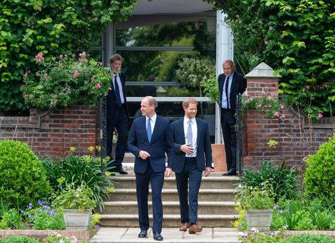 britains prince william, duke of cambridge l and britains prince harry, duke of sussex arrive for the unveiling of a statue of their mother, princess diana at the sunken garden in kensington palace, london on July 1, 2021, which would have been her 60th birthday princes william and harry set aside their differences on thursday to unveil a new statue of their mother, princess diana, on what would have been her 60th birthday photo by dominic lipinski pool afp photo by dominic lipinskipoolafp via getty images