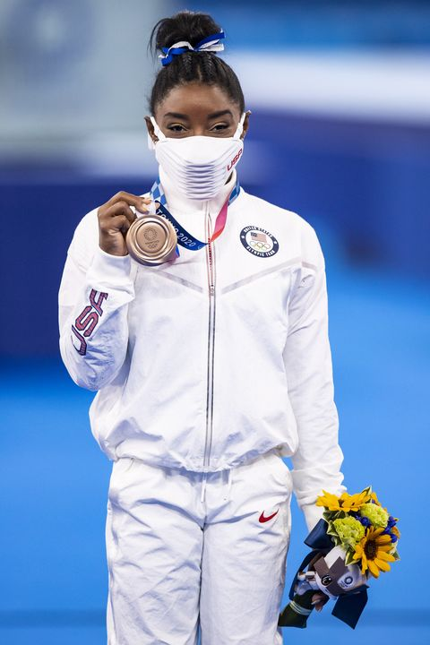tokyo, japan august 03 bild zeitung out simone biles of usa at medal ceremony in the womens balance beam final artistic gymnastics competition on day eleven of the tokyo 2020 olympic games at ariake gymnastics center on august 3, 2021 in tokyo, japan photo by tom wellerdefodi images via getty images