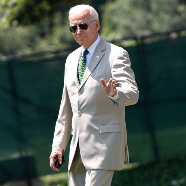 us president joe biden walks to marine one before departing from the south lawn of the white house in washington, dc, on august 6, 2021   biden travels to his home in wilmington, delaware, where he will spend the weekend photo by saul loeb  afp photo by saul loebafp via getty images