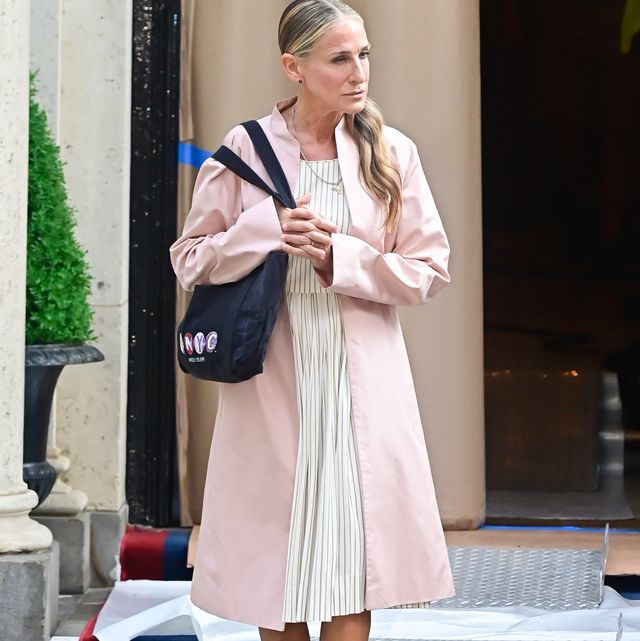 new york, ny   august 09  sarah jessica parker is seen on the set of and just like that the follow up series to sex and the city on the upper east side on august 9, 2021 in new york city  photo by raymond hallgc images