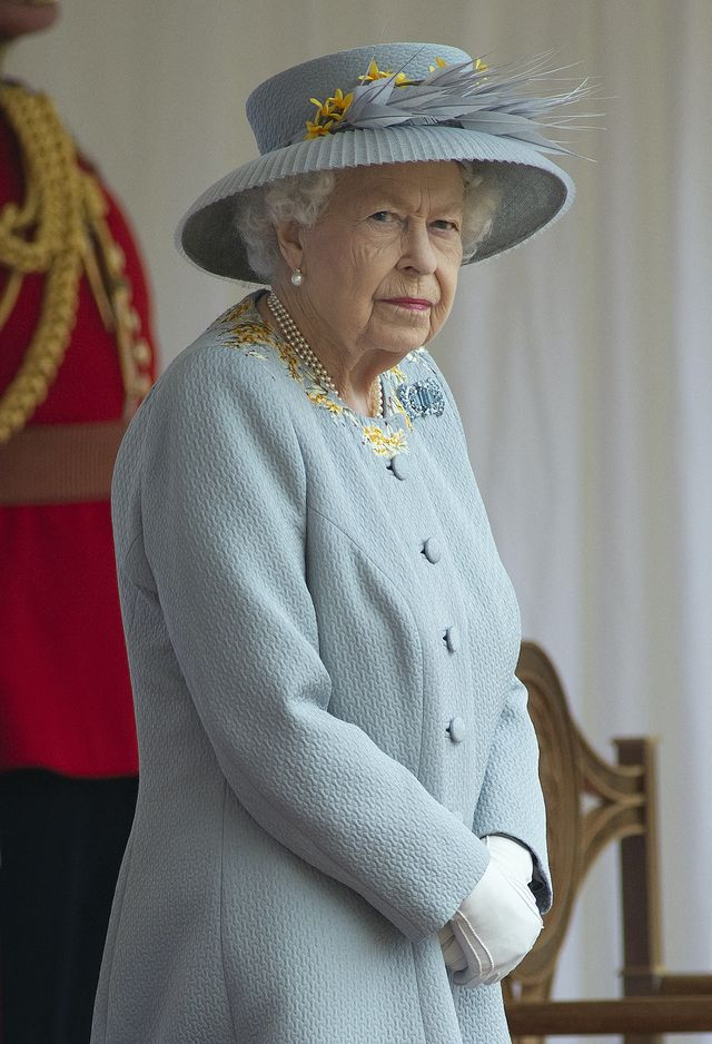 """files in this file photo taken on june 12, 2021, britain's queen elizabeth ii watches a military ceremony to mark her official birthday in windsor   queen elizabeth ii said the victims and survivors of the 911 attacks were in her prayers in a message to us president joe biden for saturday's anniversary of the attacksthe 95 year old monarch said """"my thoughts and prayers   and those of my family and the entire nation    remain with the victims, survivors and families affected""""she also paid tribute to the first responders and rescue workers at the scene and the """"resilience and determination of the  communities who joined together to rebuild""""the queen and her late husband prince philip made a rare trip to the us in 2010, laying a wreath at ground zero and meeting relatives of victims, and she told biden that this visit was """"held fast in my memory""""in a further royal tribute to the dead, who included 67 british people, the us anthem was played on saturday by fur hatted welsh guards at the changing of the guard ceremony at windsor castle photo by eddie mulholland  afp photo by eddie mulhollandafp via getty images"""