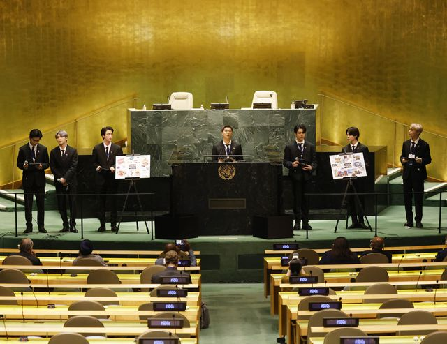 世界的人気グループのbtsが、9月20日(現地時間)に米ニューヨークの国連本部で開かれた国連総会に出席。国連の「持続可能な開発目標(sdgs)」プログラムの一環としてスピーチを行った。
