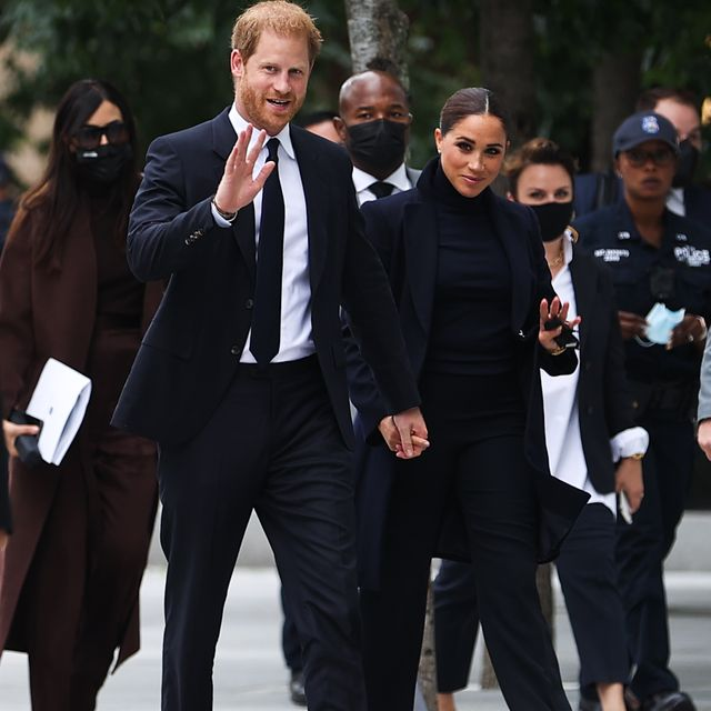 new york, ny   september 23 prince harry and meghan markle visit the one world observatory as ny governor hochul and nyc mayor blasio walk along with them in new york city, united states on september 23, 2021 photo by tayfun coskunanadolu agency via getty images