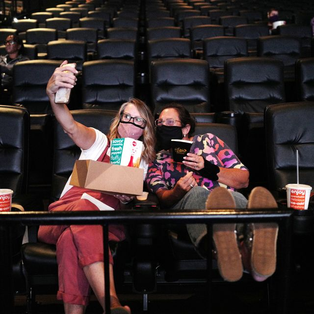 Amc Movie Theater Reopening Photos Movie Theaters Open With Covid 19 Safety Precautions
