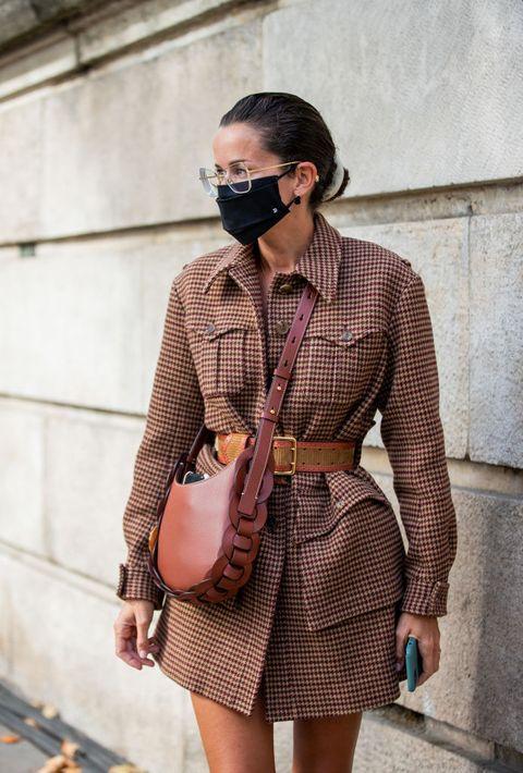 come indossare cappotto con cintura