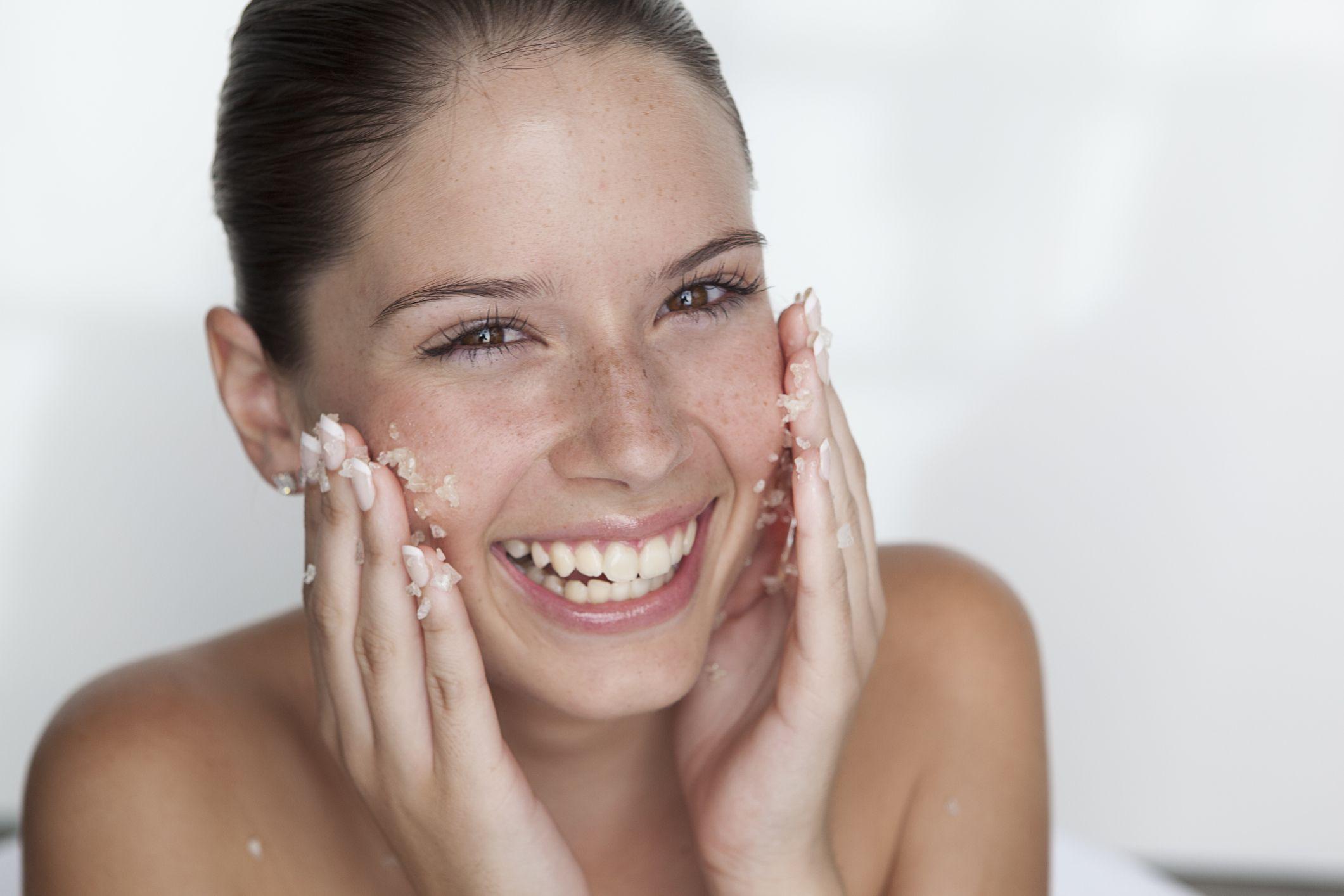 Guida allo scrub viso fai da te migliore per l estate