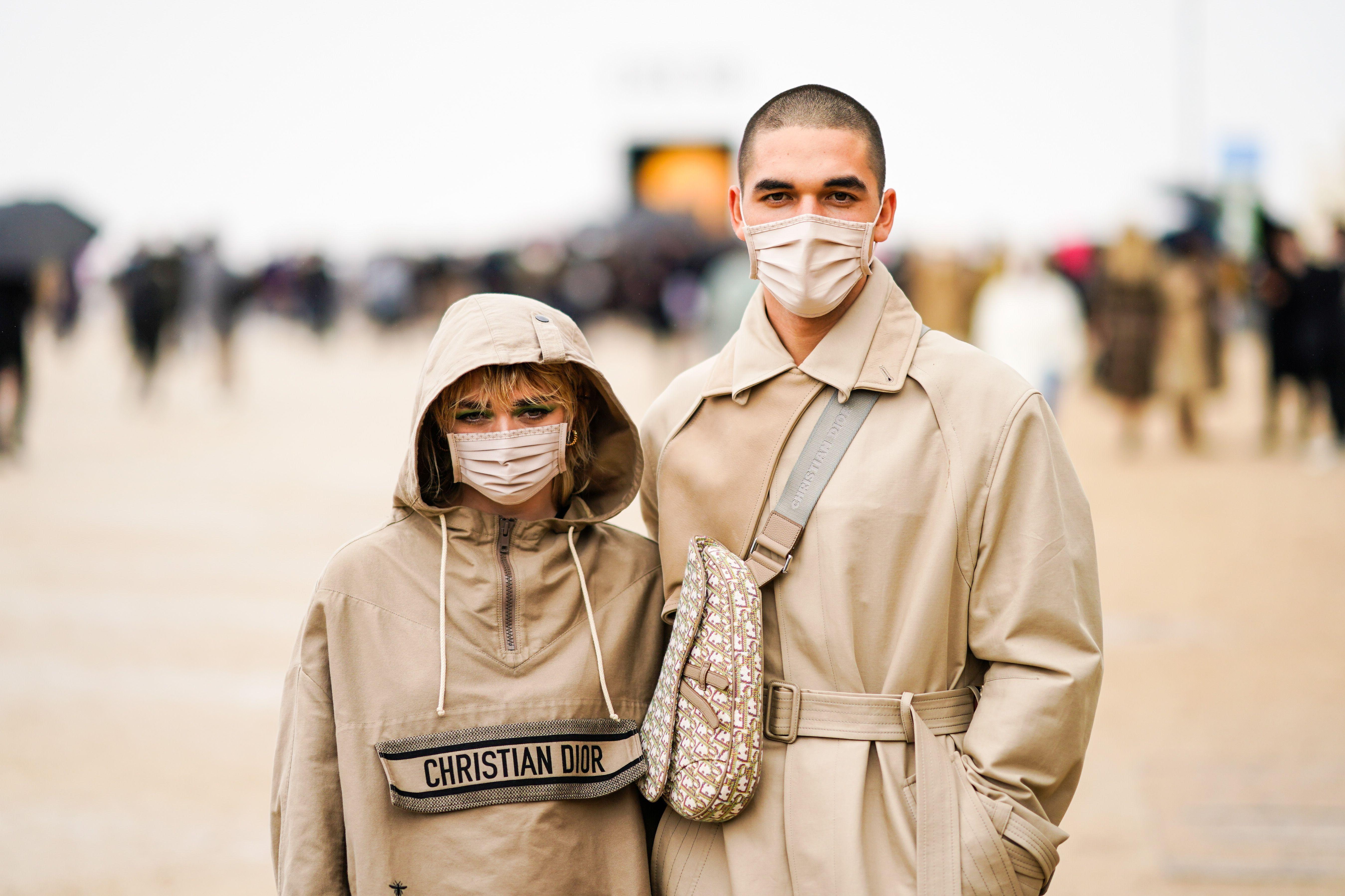 Estas son las prendas y accesorios que han definido la moda de 2020