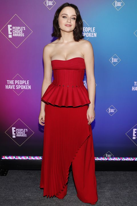 santa monica, california   november 15 2020 e peoples choice awards    in this image released on november 15, joey king, the comedy movie star of 2020, attends the 2020 e peoples choice awards held at the barker hangar in santa monica, california and on broadcast on sunday, november 15, 2020 photo by todd williamsone entertainmentnbcu photo bank via getty images