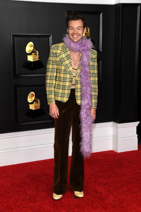 harry styles tijdens de grammy awards in 2020