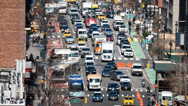 vehicles driving traffic emissions
