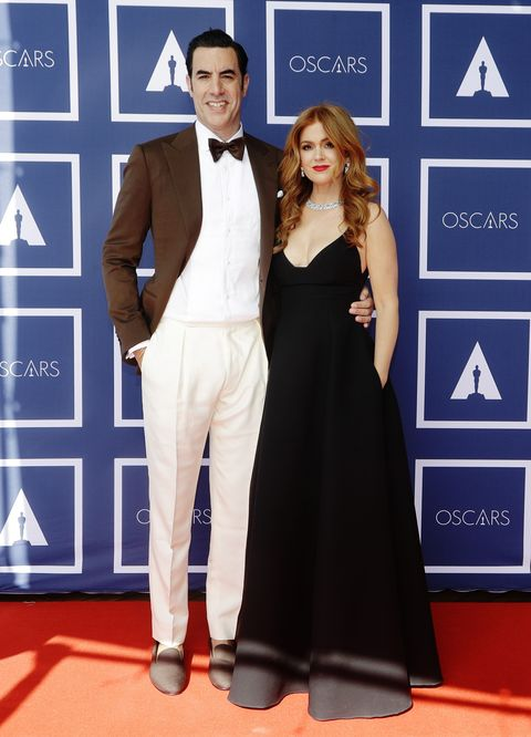 sydney, australia – april 26 l r sacha baron cohen and isla fisher attend a screening of the oscars on april 26, 2021 in sydney, australia photo by rick rycroft poolgetty images