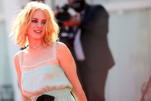 venice, italy   september 03  kristen stewart attends the red carpet of the movie spencer during the 78th venice international film festival on september 03, 2021 in venice, italy photo by franco origliagetty images