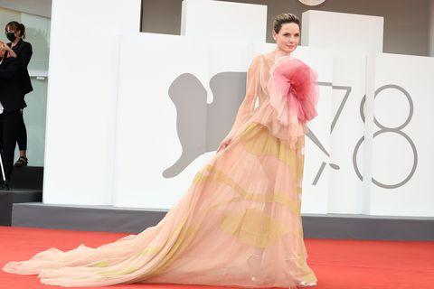 swedish actress rebecca ferguson at the 78 venice international film festival 2021 dune red carpet venice italy, september 3rd, 2021 photo by marilla siciliaarchivio marilla siciliamondadori portfolio via getty images