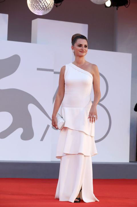 """venice, italy   september 04 penelope cruz attends the red carpet of the movie """"competencia oficial"""" during the 78th venice international film festival on september 04, 2021 in venice, italy photo by elisabetta a villagetty images"""