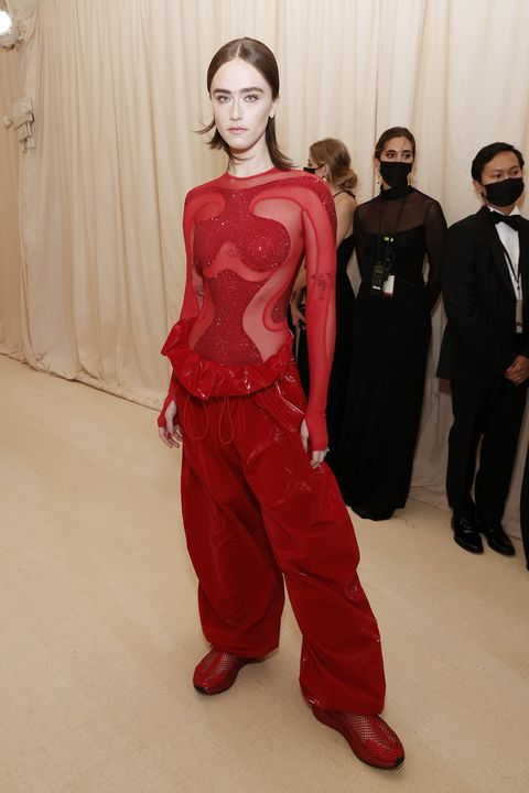 new york, new york   september 13 ella emhoff attends the 2021 met gala celebrating in america a lexicon of fashion at metropolitan museum of art on september 13, 2021 in new york city photo by arturo holmesmg21getty images
