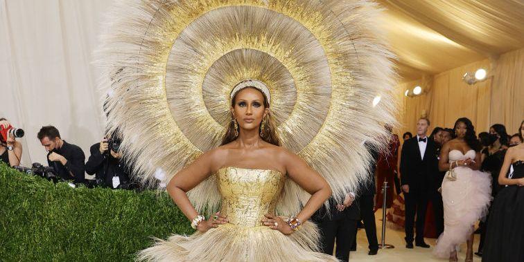 Iman Glowed in Gold Dolce & Gabbana x Harris Reed on the Met Gala 2021 Red Carpet - HarpersBAZAAR.com