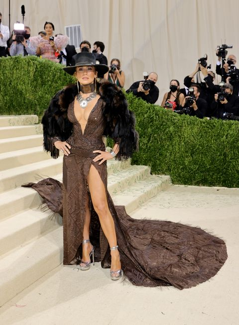 new york, new york   september 13 jennifer lopez attends the 2021 met gala celebrating in america a lexicon of fashion at metropolitan museum of art on september 13, 2021 in new york city photo by mike coppolagetty images