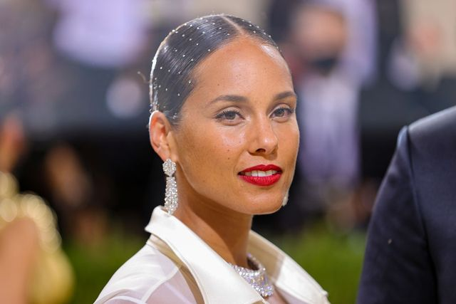 Alicia Keys Opens The Show In Milan For Moncler Mondogenius Global Digital Extravaganza