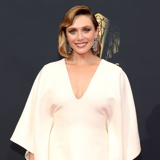 elizabeth olsen pays tribute to sisters mary kate and ashley
