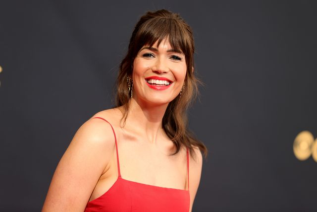 los angeles, california   september 19 mandy moore attends the 73rd primetime emmy awards at la live on september 19, 2021 in los angeles, california photo by rich furygetty images
