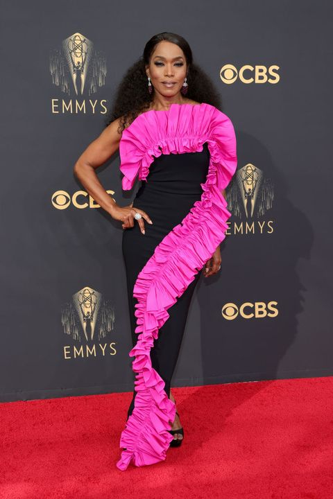 los angeles, california   september 19 angela bassett attends the 73rd primetime emmy awards at la live on september 19, 2021 in los angeles, california photo by rich furygetty images