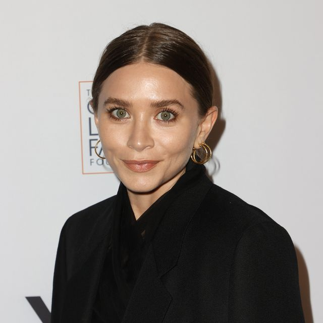 beverly hills, california   september 23ashley olsen attends yes 20th anniversary celebration honoring willow bay and bob iger  at the maybourne beverly hills on september 23, 2021 in beverly hills, california photo by frazer harrisongetty images