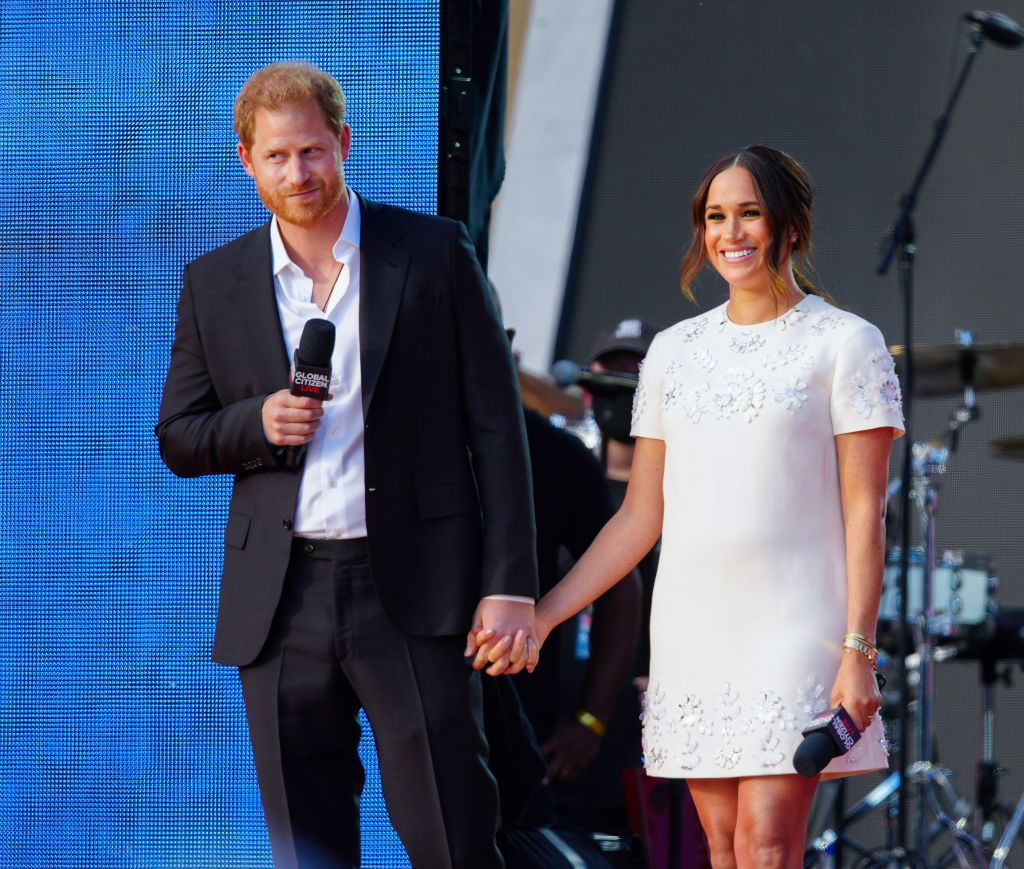 """Princess Diana Would Be """"Thrilled"""" About Prince Harry and Meghan Markle's New Life, Expert Says"""