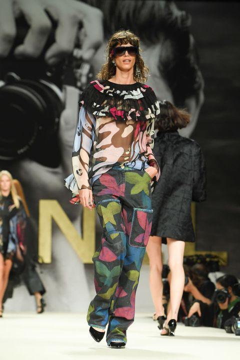 chanel runway  paris fashion week  lente zomer 2022