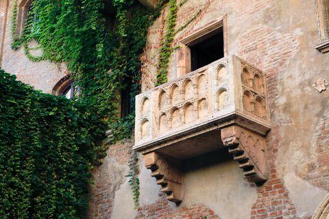 義大利是許多人前往歐洲旅遊的首選!如果羅馬、米蘭、佛羅倫斯等熱門城市對你來說已經是陳腔濫調,不如跟著BAZAAR來到大城市周邊的景點,享受道地美食,也感受最真切的義大利人情!