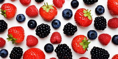 Natural foods, Food, Berry, Fruit, Frutti di bosco, Strawberry, Blackberry, Superfood, Strawberries, Plant,