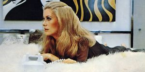 Catherine Deneuve Hustle 1975