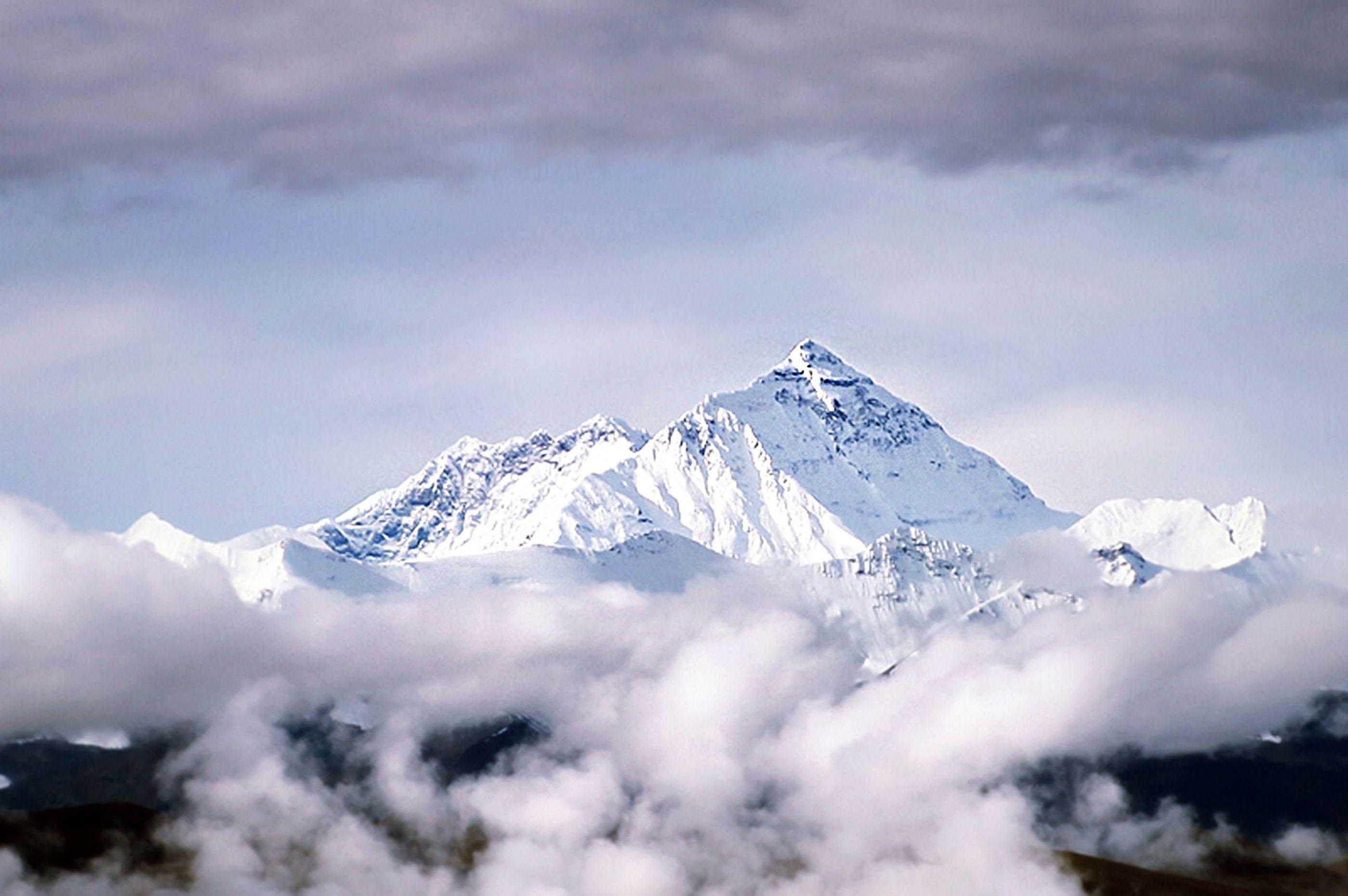 La storia incredibile del Rolex che raggiunse per primo la vetta dell'Everest