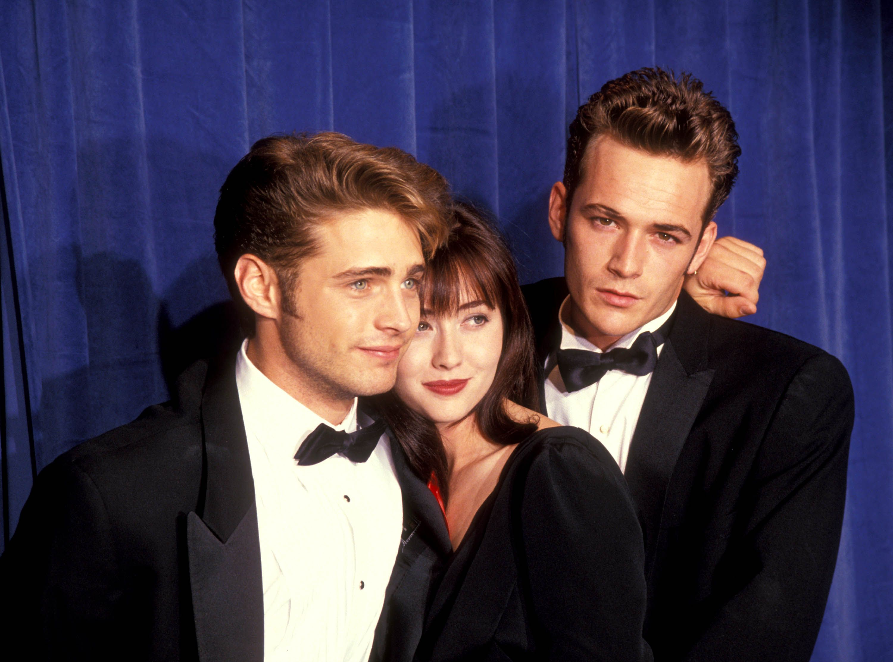 Jason Priestley, Shannen Doherty, and Perry at the 43rd Annual Primetime Emmy Awards at the Pasadena Civic Auditorium in 1991.