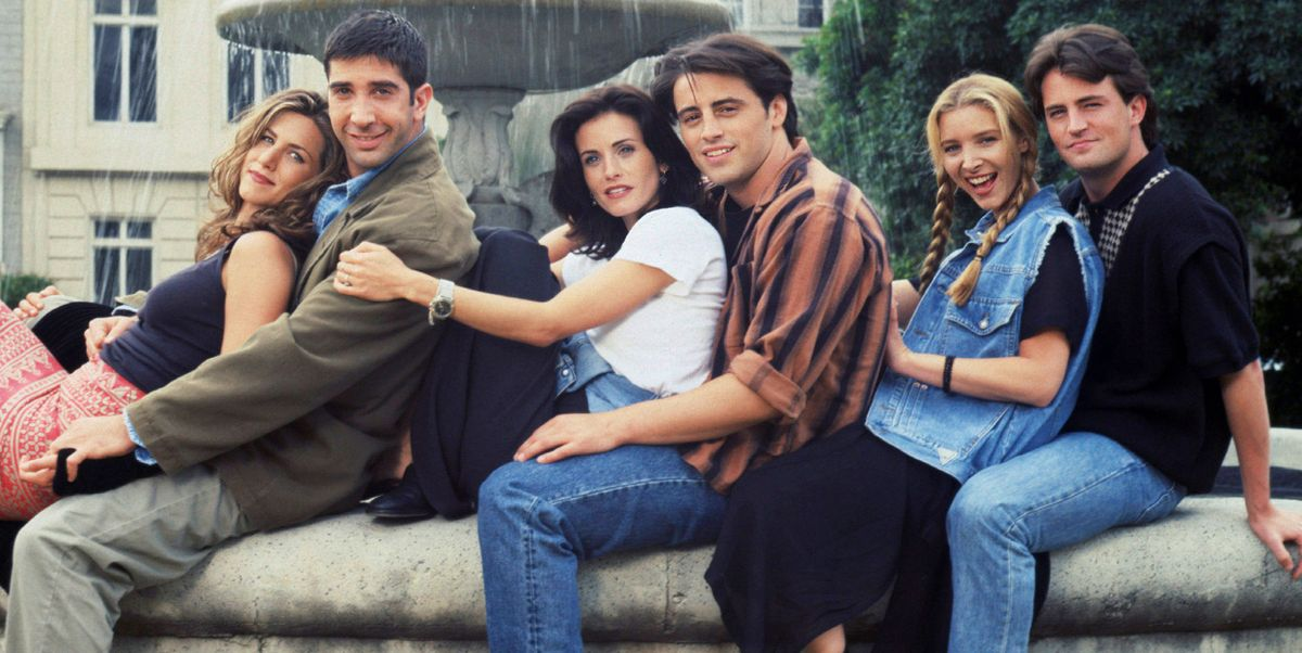 Courteney Cox Revealed the Unpleasant Truth About the 'Friends' Fountain