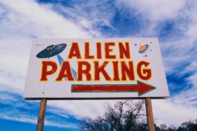 billboard alien parking amerika