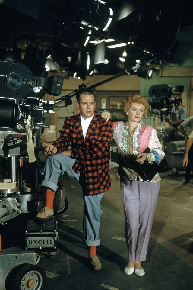lucille ball and desi arnaz on set of i love lucy
