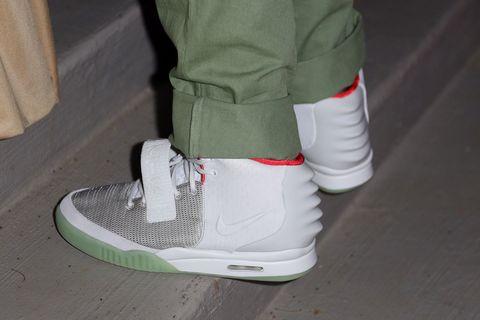 Footwear, Shoe, White, Green, Sneakers, Sportswear, Plimsoll shoe, Skate shoe, Athletic shoe, Carmine,