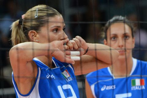 italys francesca piccinini l reacts during the womens quarterfinal volleyball match between italy and south korea in the 2012 london olympic games in london on august 7, 2012   south korea won 18 25, 25 21, 25 20, 25 18 afp photokirill kudryavtsev        photo credit should read kirill kudryavtsevafpgettyimages