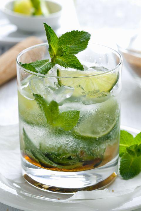 Mojito, Mint julep, Drink, Mint, Food, Alcoholic beverage, Lemon-lime, Caipiroska, Caipirinha, Cocktail,