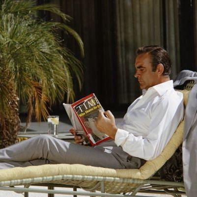 1971年:『007 ダイヤモンドは永遠に』のセットで寛ぐショーン・コネリー