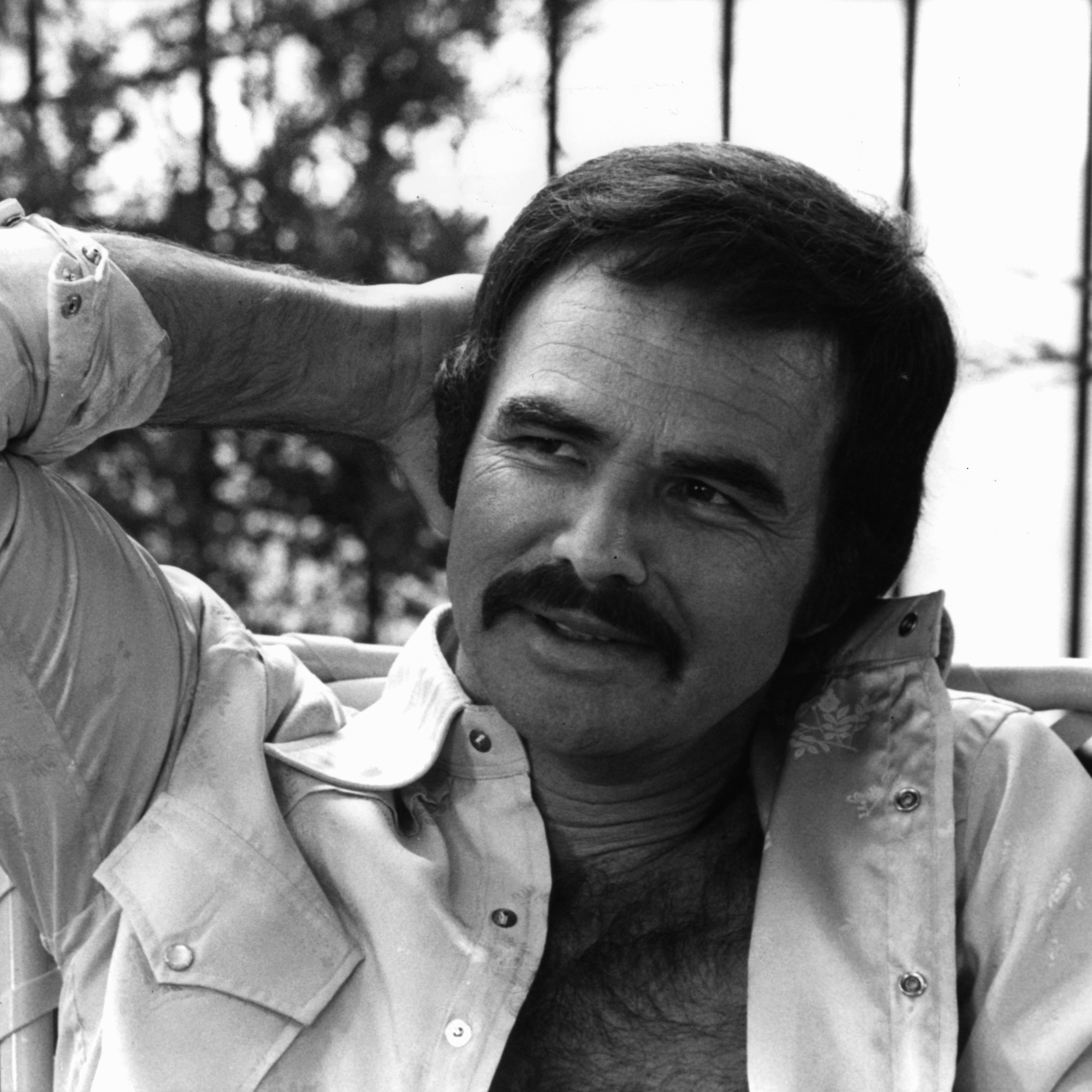 1980: Burt Reynolds Burt Reynolds defined the macho, rugged masculinity of '80s film and TV heartthrobs thanks to his signature bold mustache.