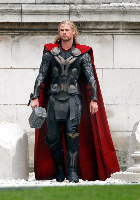 Outerwear, Costume, Superhero, Fictional character, Knight, Thor, Cosplay, Armour, Cape,